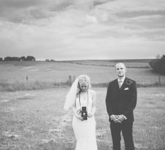 לדפוק חתונה